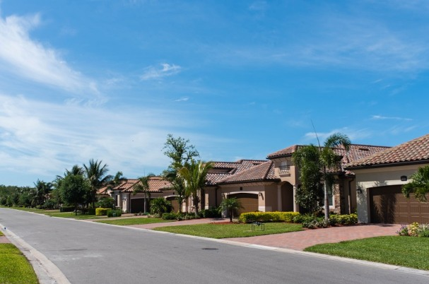 Top 4 Financial Tips for Property Investors shows real estate.